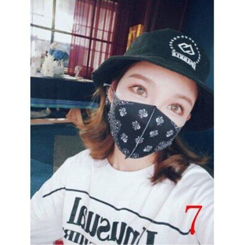 他の写真3: 【HIPHOP】大人用バンダナ柄マスク【薄手 さらさら 洗って繰り返し使えるマスク ペイズリー バンダナ柄  オシャレマスク 黒マスク】